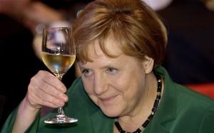 Angela Merkel ramane la guvern