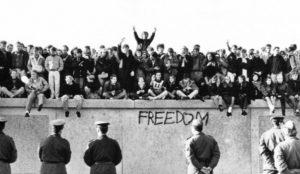 9 noiembrie – caderea Zidului Berlinului